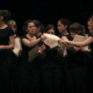 Cor Escènic: música coral diferente, divertida y cercadeti.